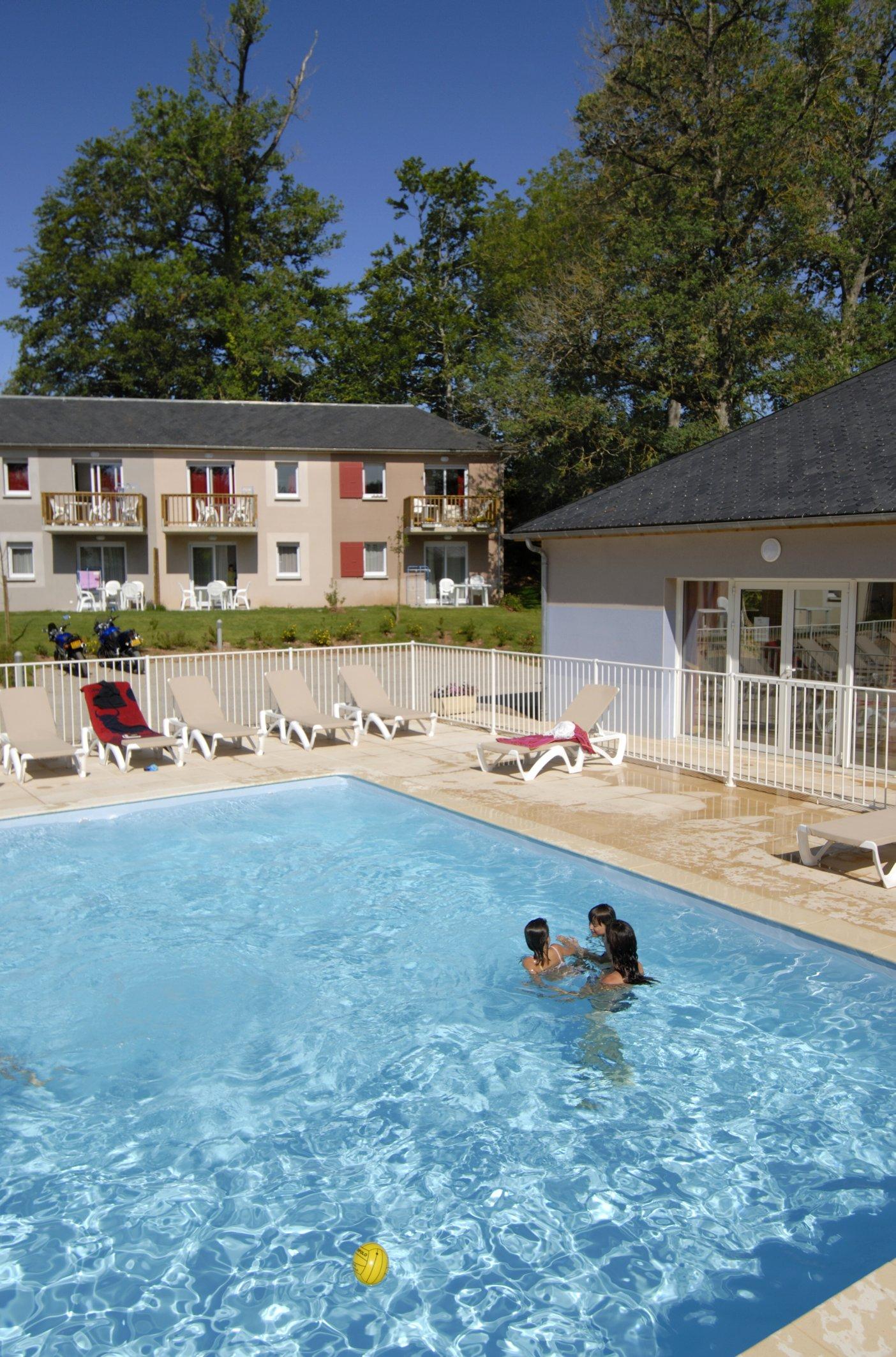 Odalys Rignac 2pC6 Garden for 6 guests in Rignac, France