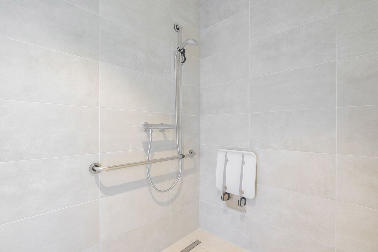 Essential Suite - 2p   Double bed - Disabled-friendly