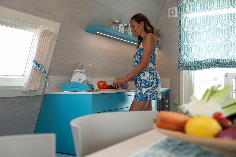 Marina houseboat 4 pax