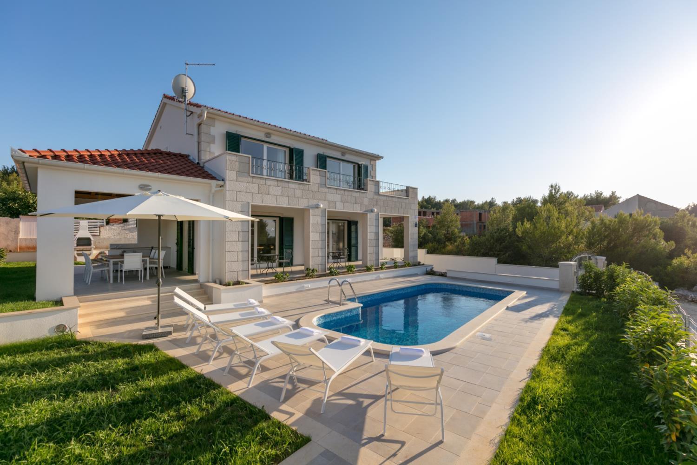 Villa Makarac