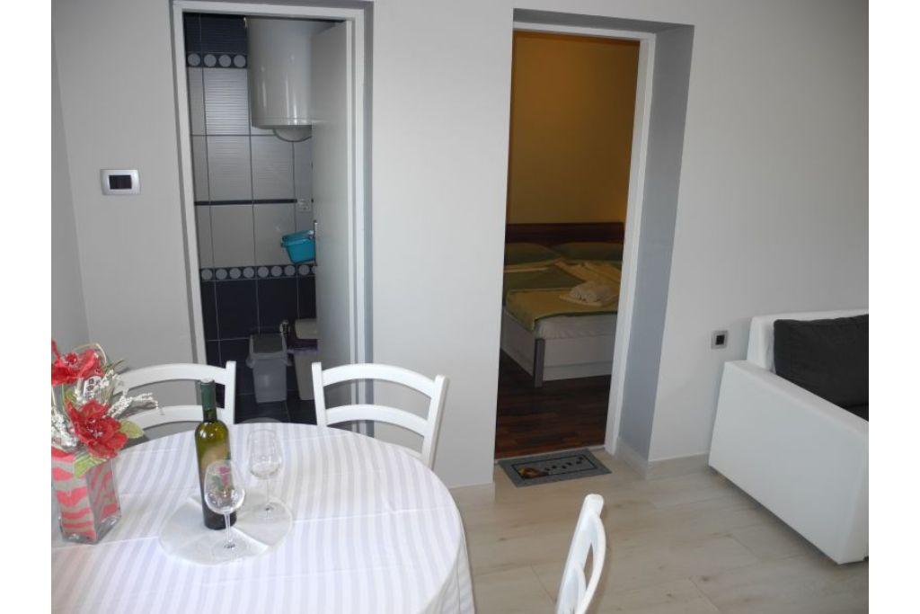 Apartment Igor 2+2 pax