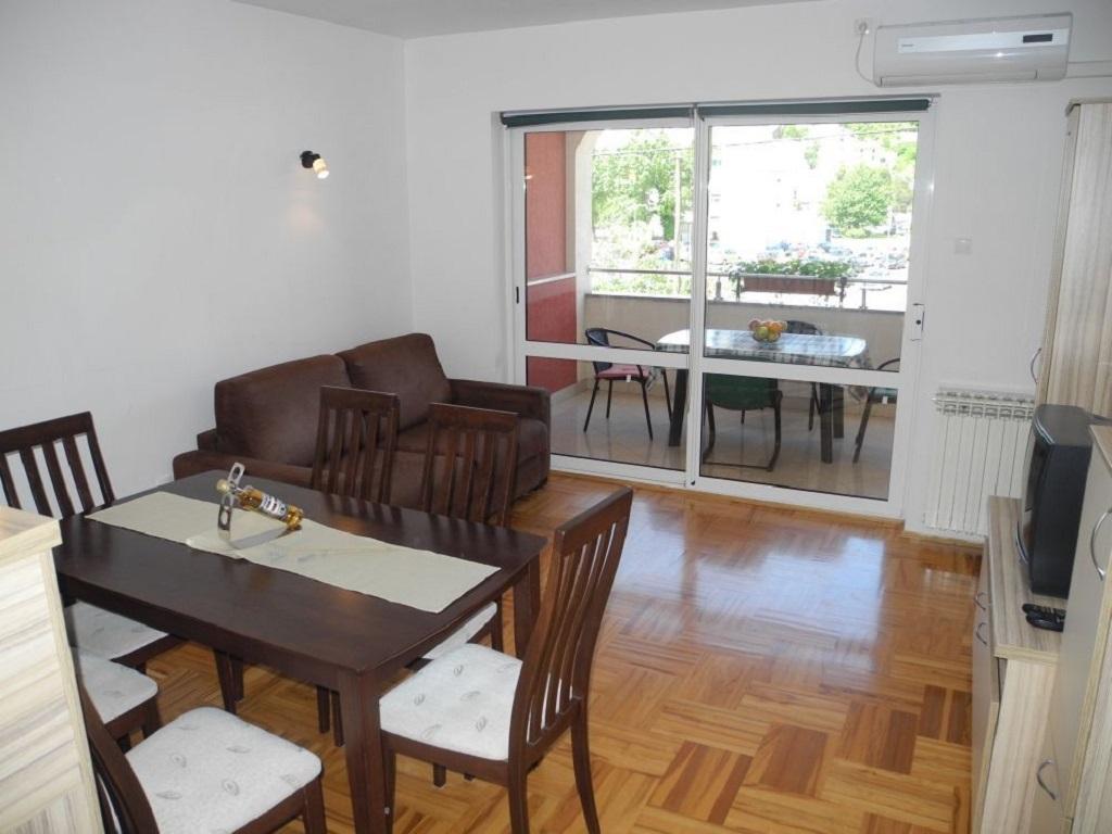Apartment 1 Lara 4+2 pax