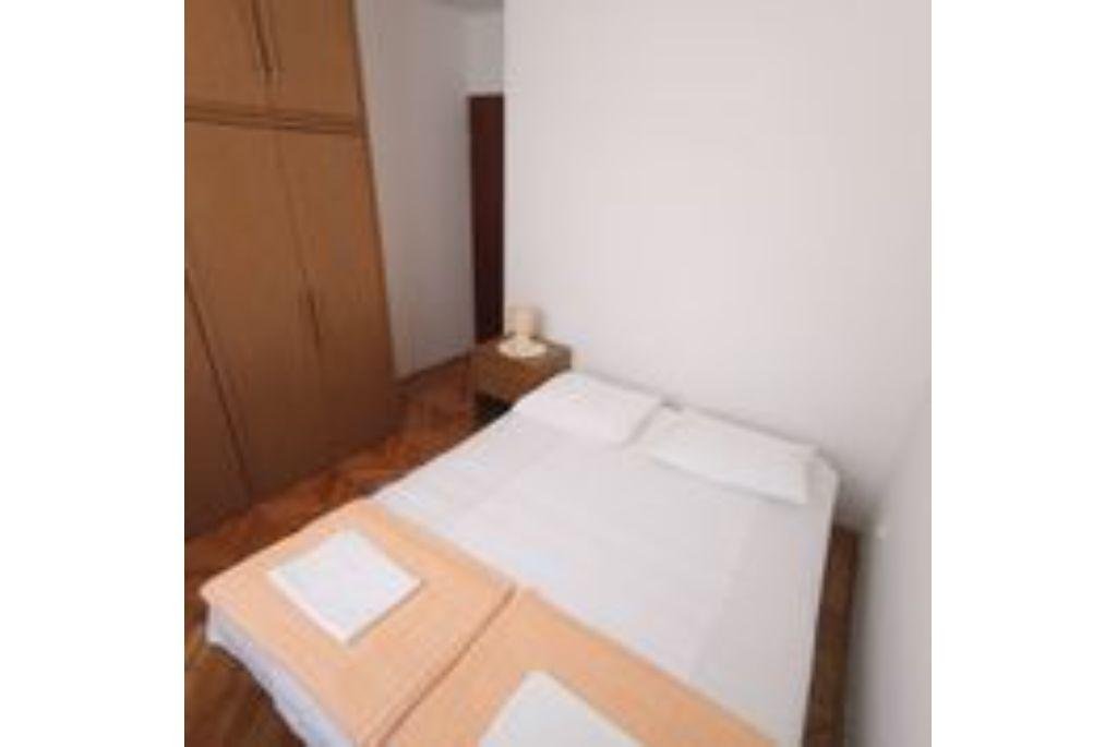 Apartment Nevenka 2+2 pax