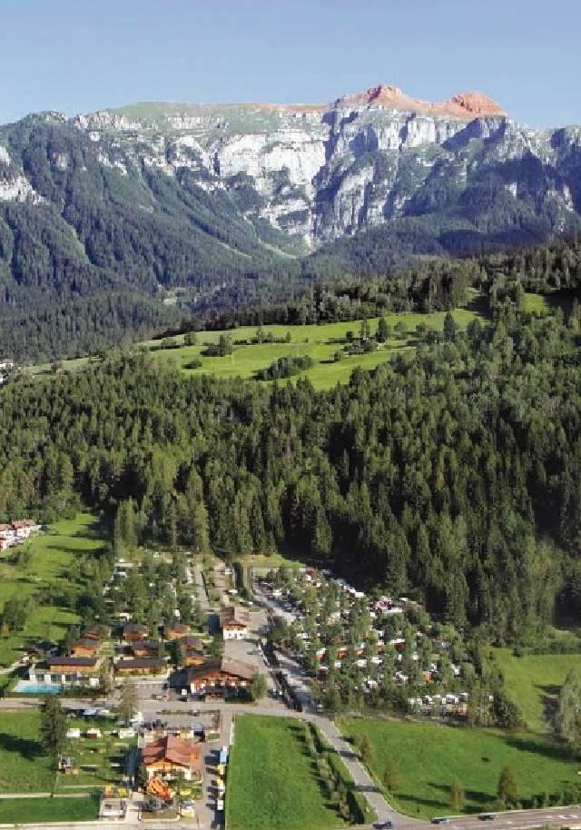 Boek vakantiepark chalet in dimaro 4 pers bn55084 bungalow net - Tussen chalet italie ...