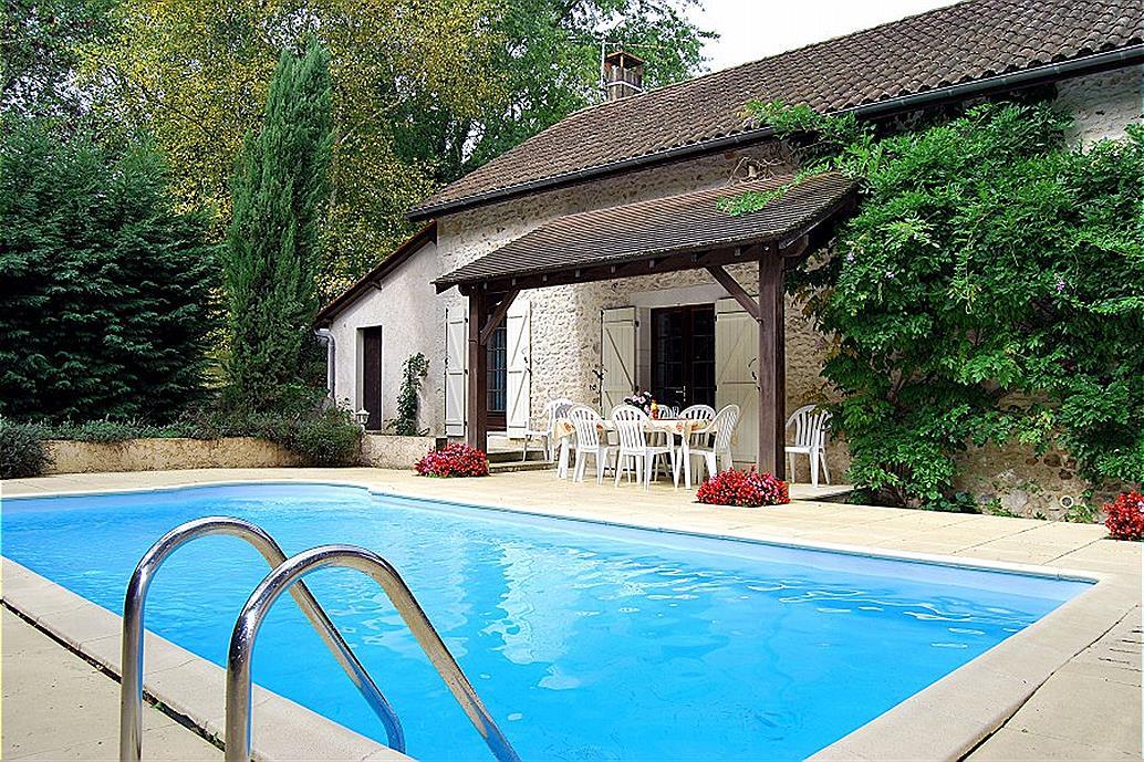 Ferienwohnung thenon 10 personen frankreich for Location dordogne piscine