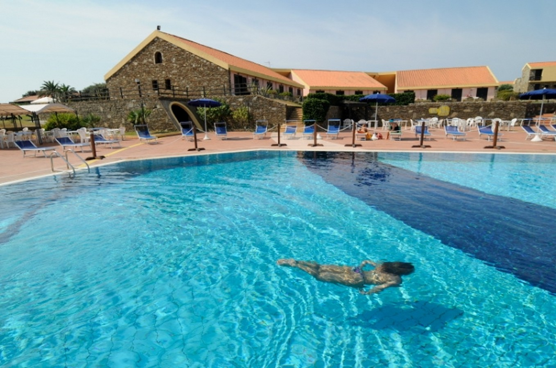 Prenotare casa vacanze hotel le tonnare 4 dbl stand a for Sardegna casa vacanze