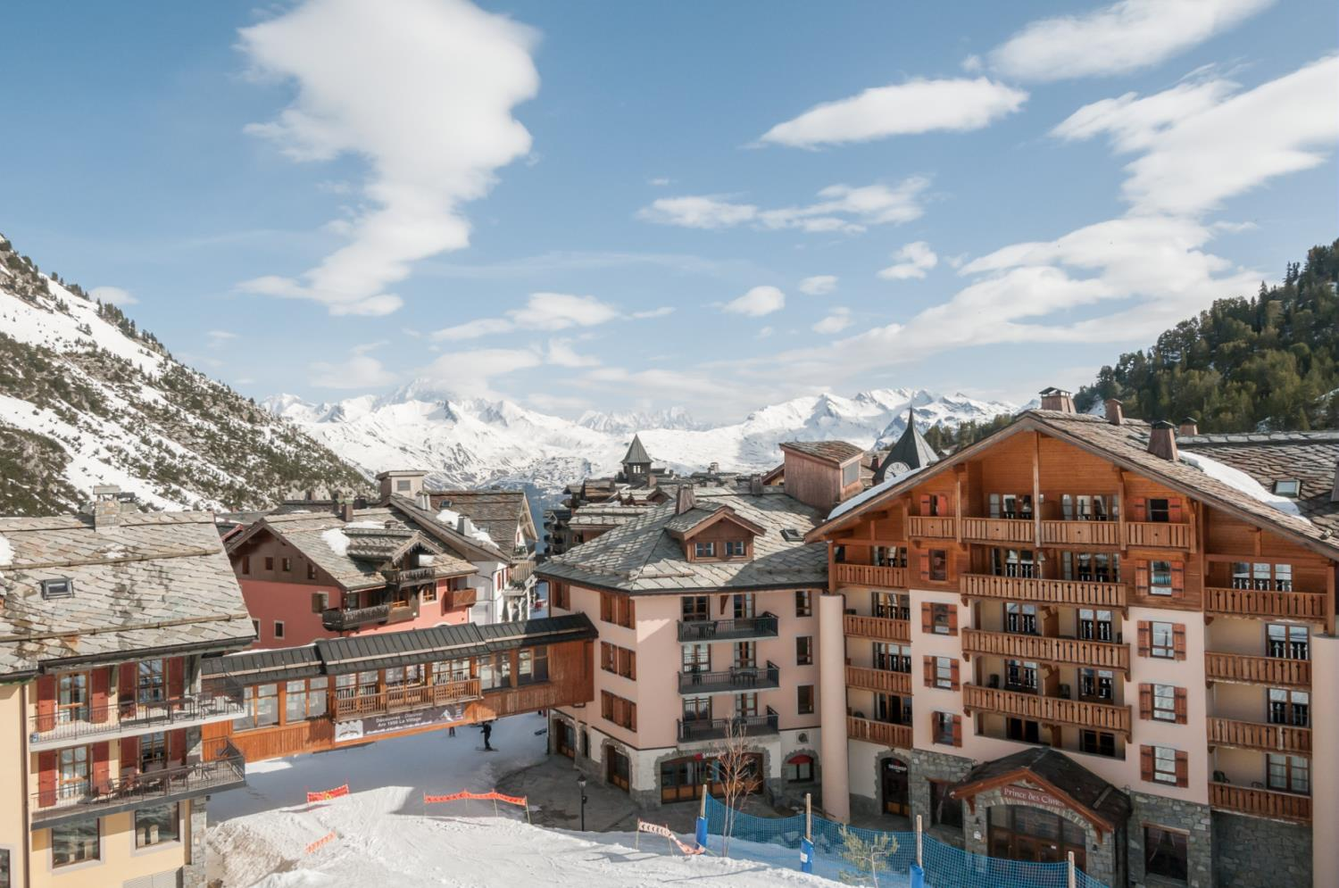 how to get to les arcs