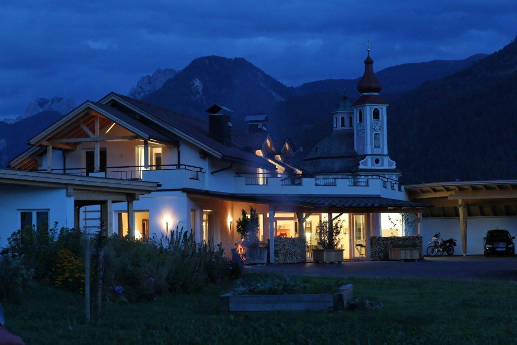 Veranda Lodge Apartment Tirol