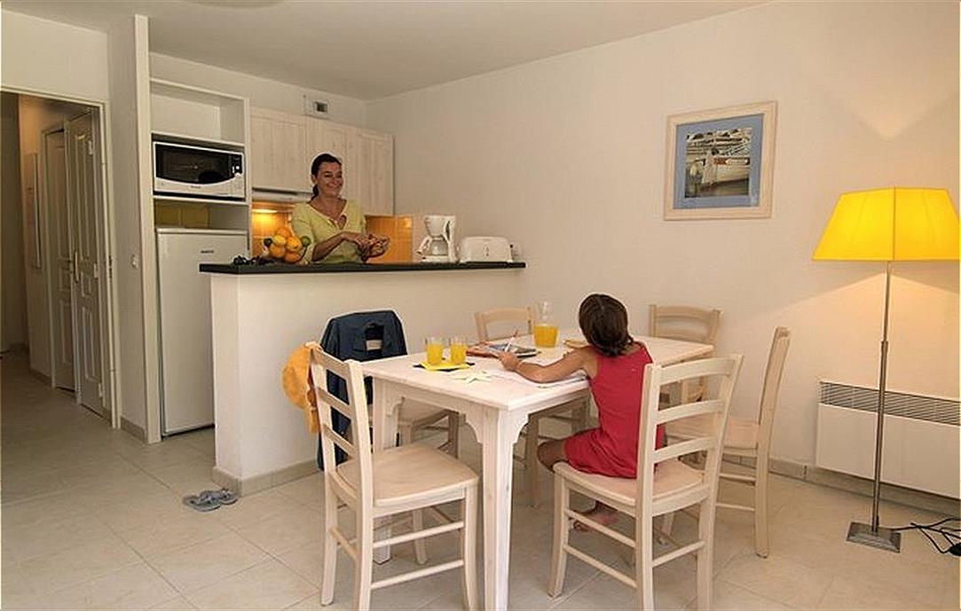 Ferienwohnung Six Fours 2p 4p Aryana (1064081), Six Fours les Plages, Côte d'Azur, Provence - Alpen - Côte d'Azur, Frankreich, Bild 8