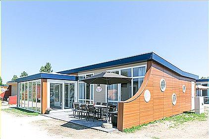 8p Luxe bungalow met serre