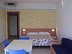 Vakantiepark Rosmari studio 01 Brenzone Thumbnail 3